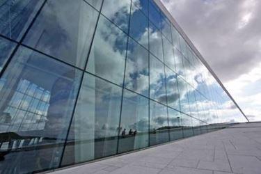 Utilizzi del vetro strutturale