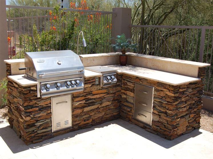 Barbecue angolo attrezzato