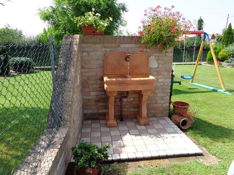 Lavabi da esterno arredamento giardino scegliere il - Lavelli in pietra da giardino ...