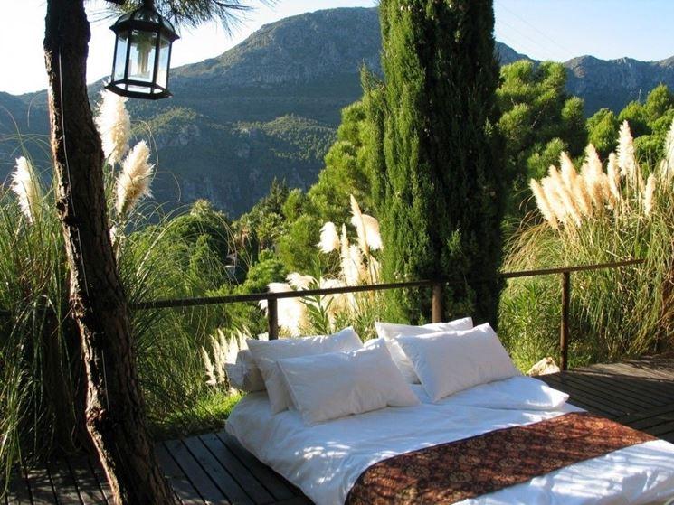 letto in giardino