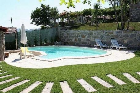 Piscina fai da te arredamento giardino for Arredo piscina
