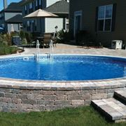 piscina in mattoni fuori terra