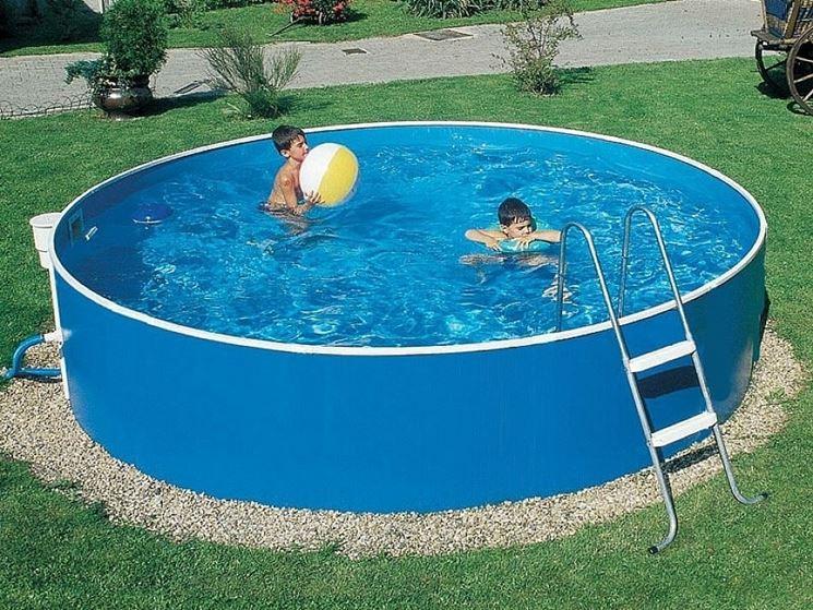 piscina fuori terra in plastica