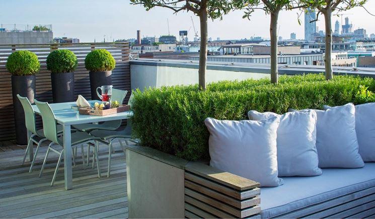 Progettare arredo terrazzo arredamento giardino idee for Arredamento per terrazzo piccolo