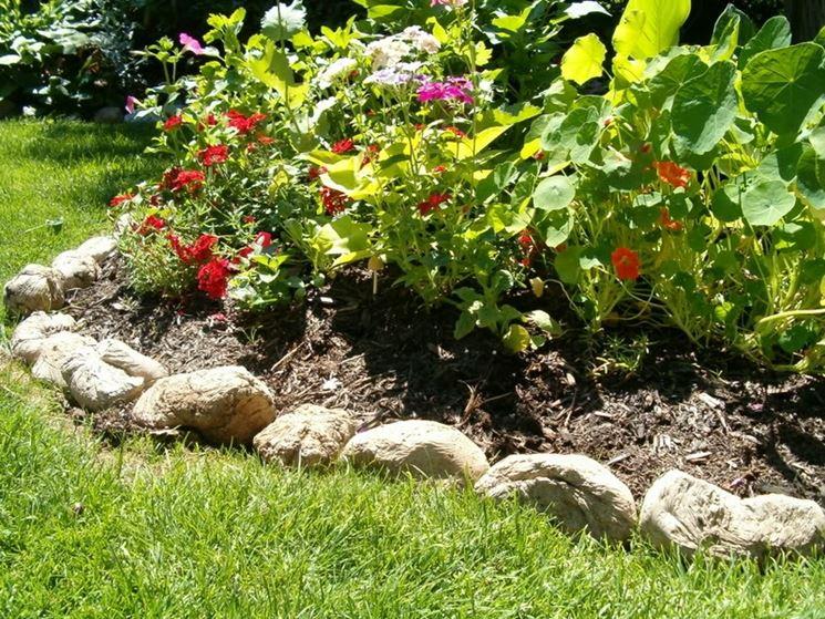 bordi per aiuole giardinaggio come realizzare bordi