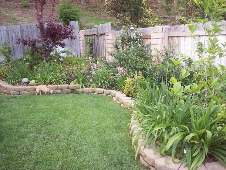 Bordure per aiuole giardinaggio come realizzare le for Small garden designs south africa