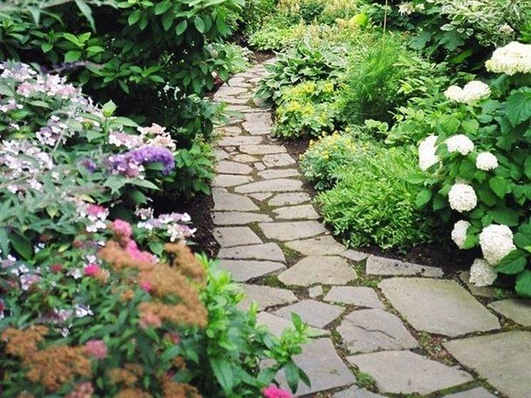 Vialetti in pietra giardinaggio - Vialetti da giardino ...