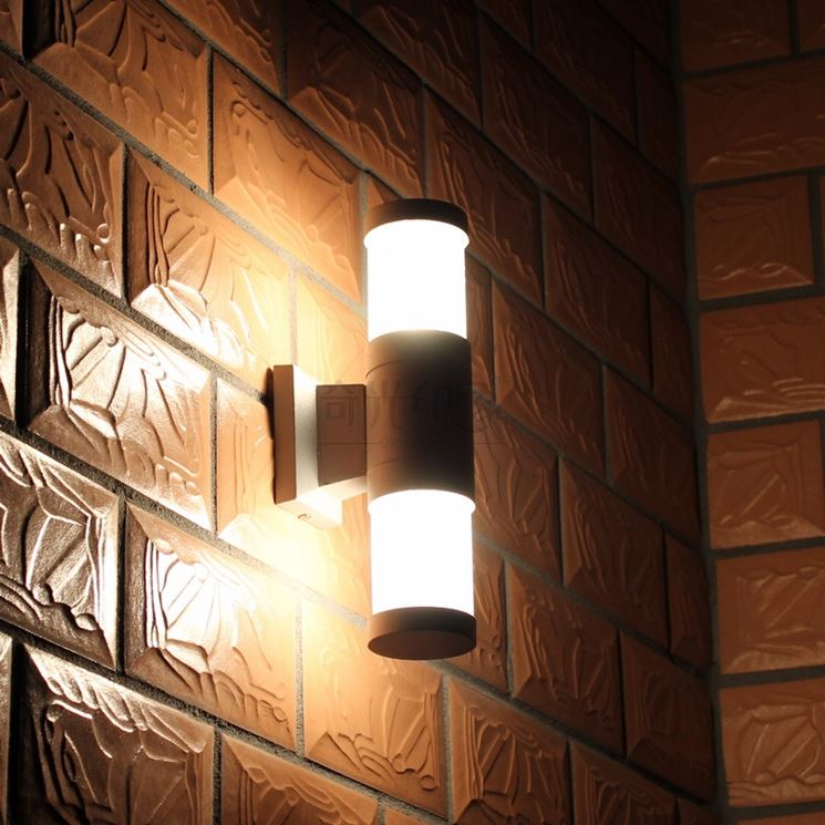 Illuminazione leroy merlin illuminazione giardino luci for Lamparas de exterior para terrazas