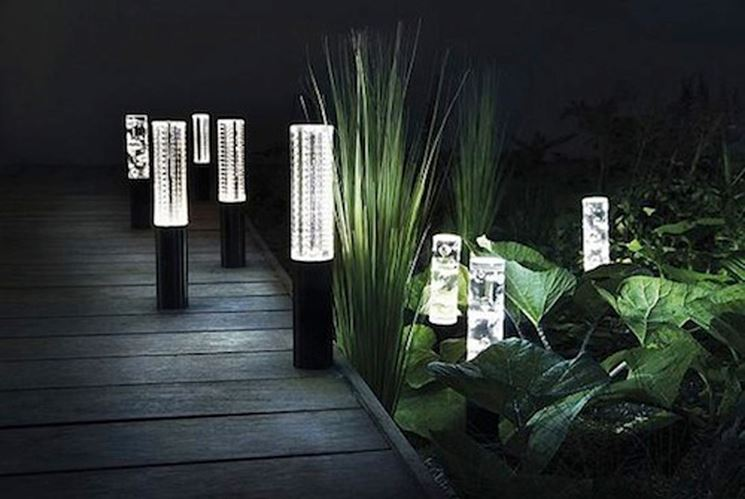 Illuminazione leroy merlin illuminazione giardino luci for Illuminazione da esterno leroy merlin