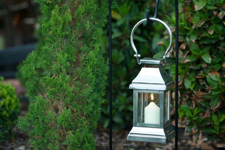 L illuminazione da esterno per il tuo giardino banci