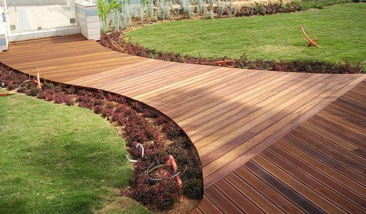 Legno da esterno materiali per il giardino caratteristiche del
