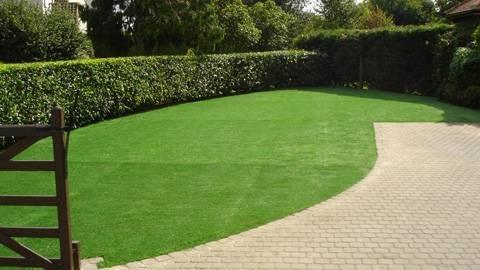 prato sintetico materiali per il giardino