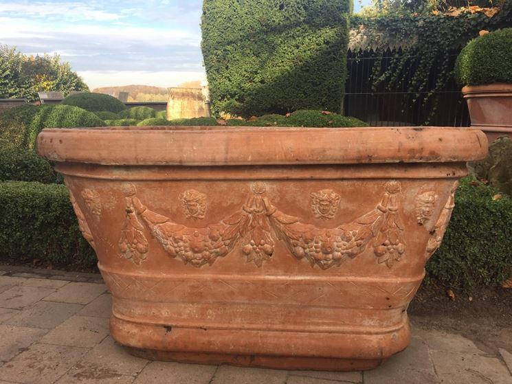 Vasi da giardino in terracotta idee per la casa for Vasi in terracotta prezzi