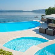 Alcune note sui costruttori di piscine