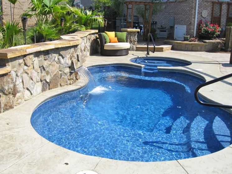 Piscine vetroresina - Piscina fai da te - Scegliere le piscine in vetroresina