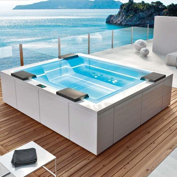 Piscine vetroresina piscina fai da te scegliere le - Piscina in muratura ...