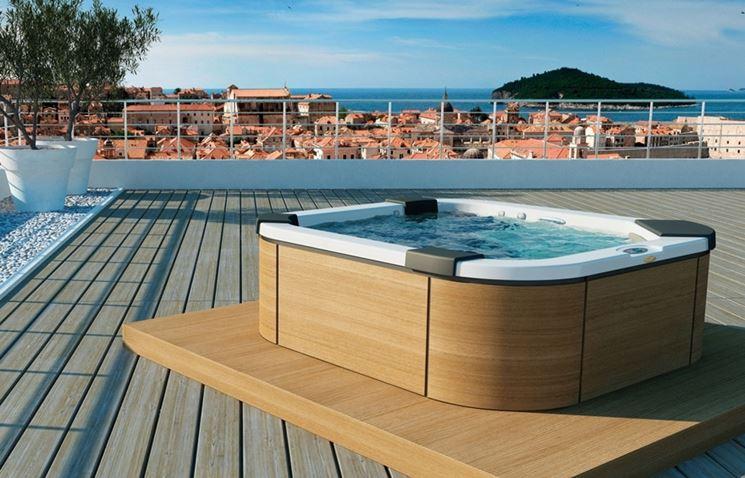 Vasche idromassaggio da esterno piscina fai da te - Piscina jacuzzi da esterno ...