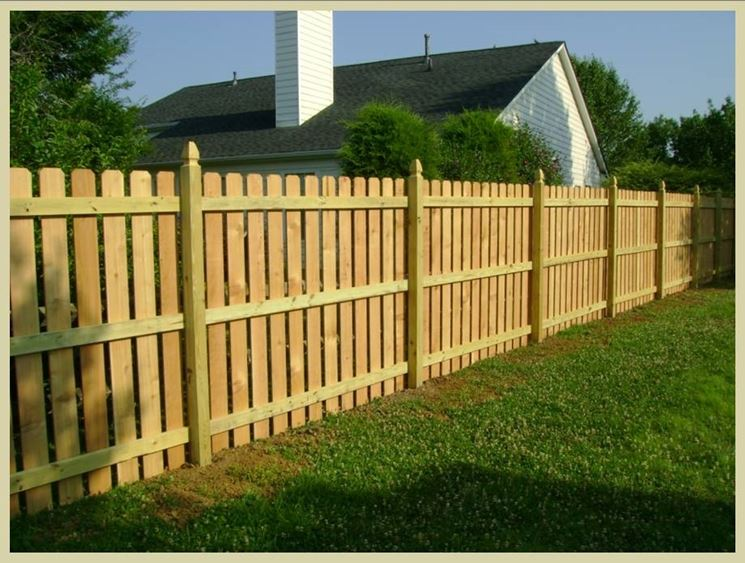 Costruire un recinto recinzioni consigli per la - Idee per recinzioni giardino ...