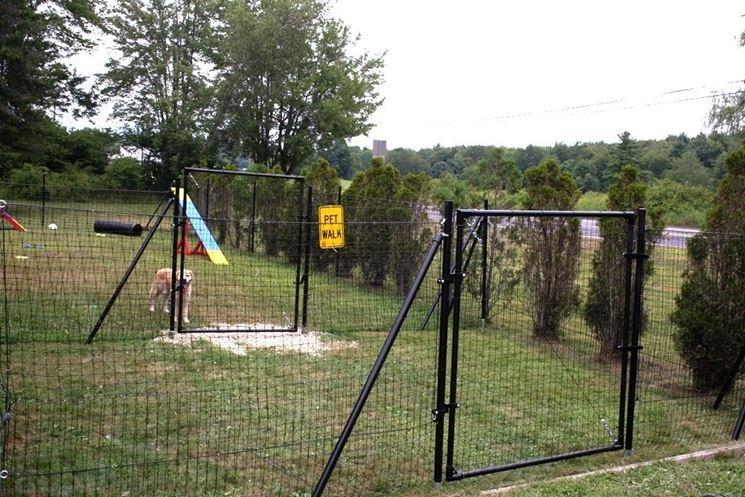 Recinti per cani fai da te recinzioni come realizzare un recinto per cani - Recinti in legno da giardino ...