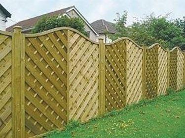 Recinzioni in legno recinzioni recintare la propriet - Idee per recinzioni giardino ...