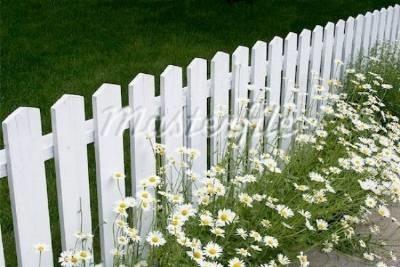 Recinzioni in legno recinzioni recintare la propriet for Staccionata in legno ikea