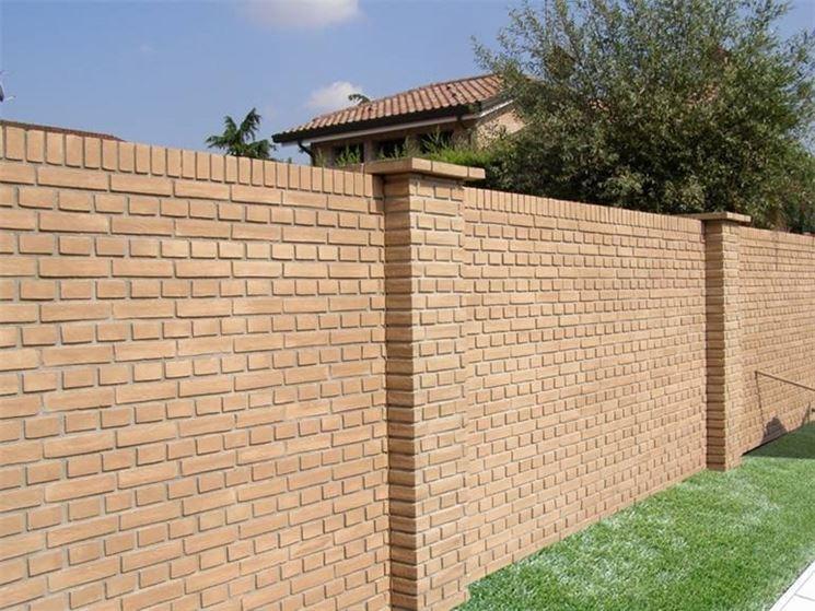 Le conseguenze di una recinzione in muratura