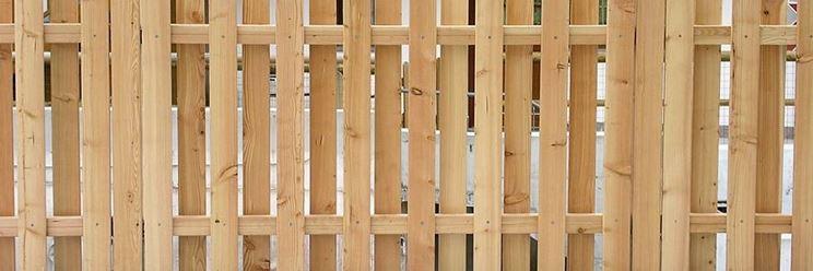 Staccionate in legno fai da te recinzioni for Recinzioni giardino legno