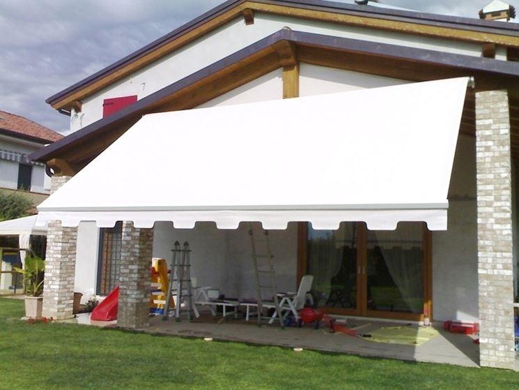 Tende da balcone tende da sole modelli e tipologie di for Tende da esterno obi