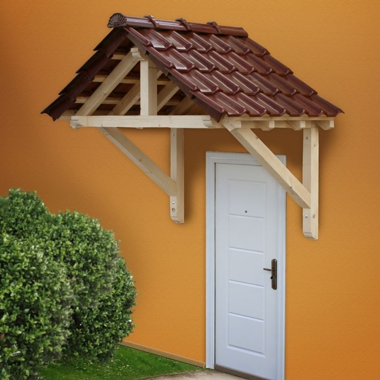 esempio di tettoia in legno con finti coppi
