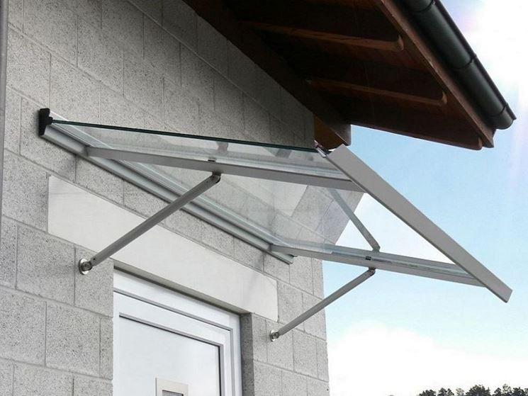 tettoia in plexiglass