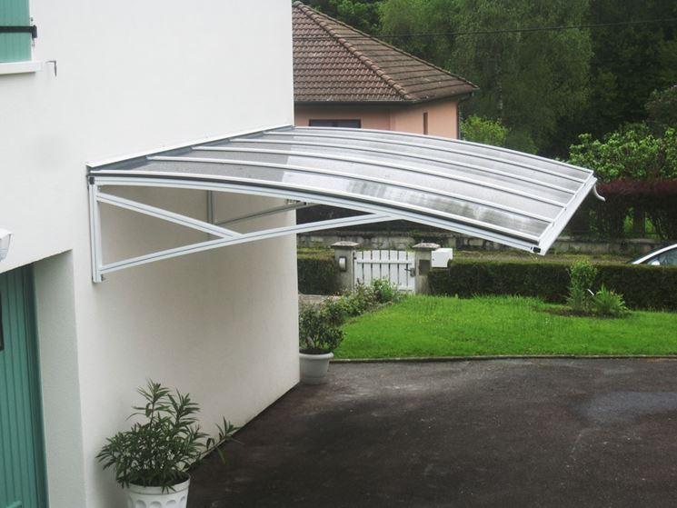 struttura tettoia in policarbonato