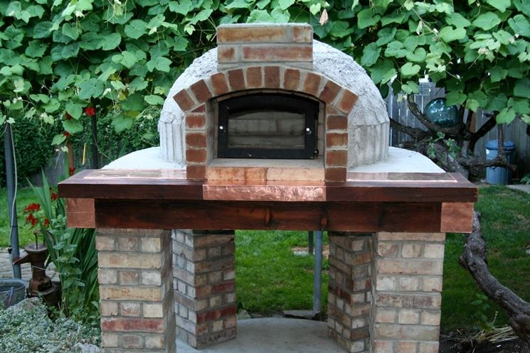 Forno in muratura caminetti for Forno a legna in mattoni refrattari