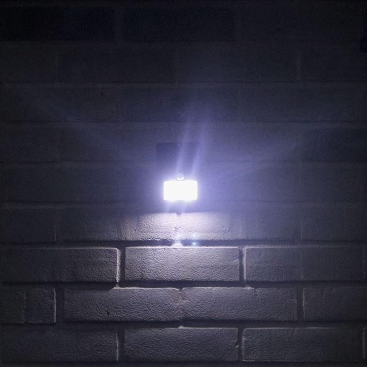 lampada con sensore crepuscolare