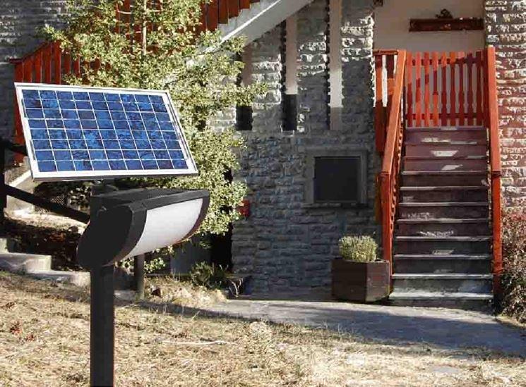 Lampade fotovoltaiche da giardino illuminazione - Lampioni da giardino fotovoltaici ...