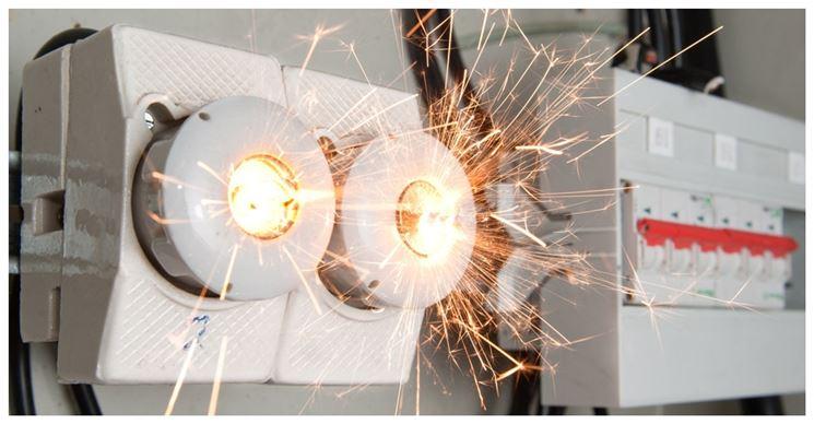 scintille su impianto elettrico