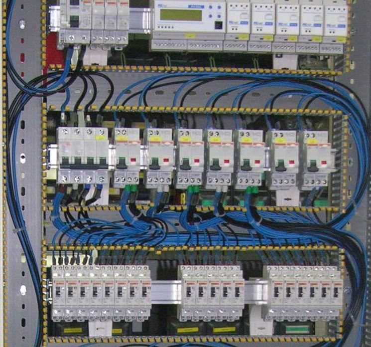 Schema Quadro Elettrico Per Civile Abitazione : Quadro elettrico civile impianti elettrici