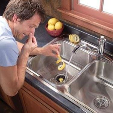 eliminare le fonti dei cattivi odori