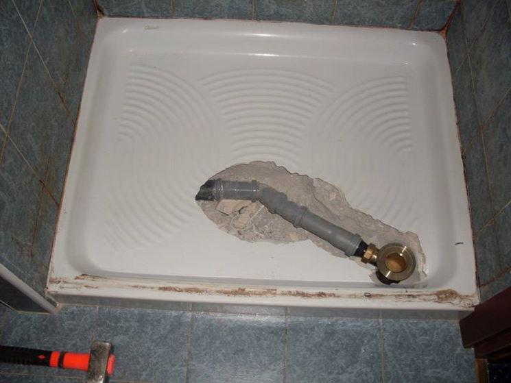 Sostituzione sifone piatto doccia impianti idraulici - Posare un piatto doccia ...