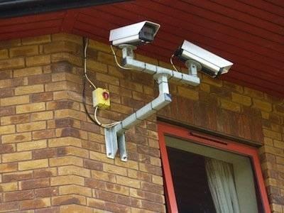 Tecnologia per la sicurezza in casa videosorveglianza - Antintrusione casa ...