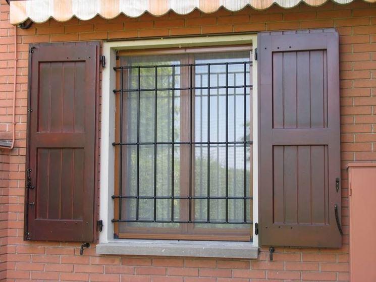 Inferriate alle finestre finestra - Finestre sicurezza ...