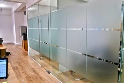 Pellicole adesive per vetri finestra come funzionano - Pellicole oscuranti per vetri casa ...