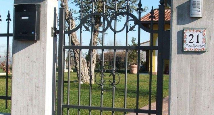 cancello pedonale in metallo