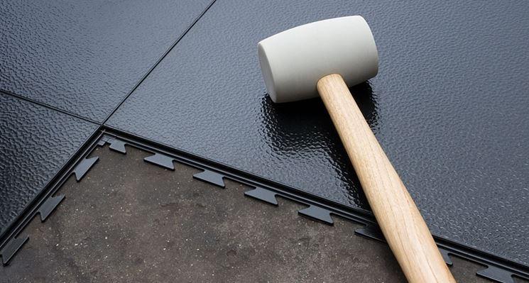 Posa pavimento pvc adesivo