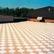 Ci sono tanti tipi di mattonelle per terrazzi: i pro e i contro nella scelta