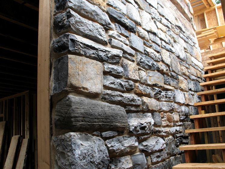 muro in pietra da interno