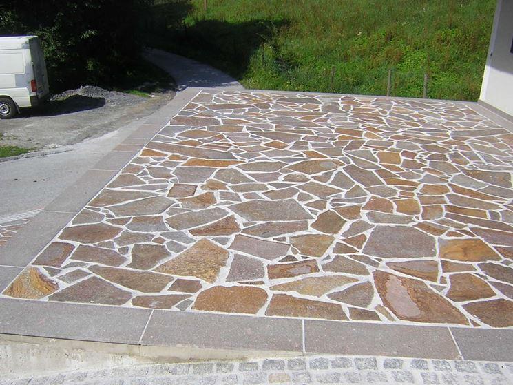 Pavimento a mosaico di porfido