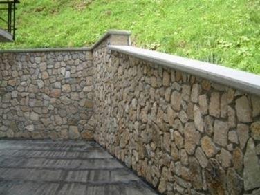 Muri Di Recinzione Pietra.Muri Di Cinta Muratura Caratteristiche Dei Muri Di Cinta