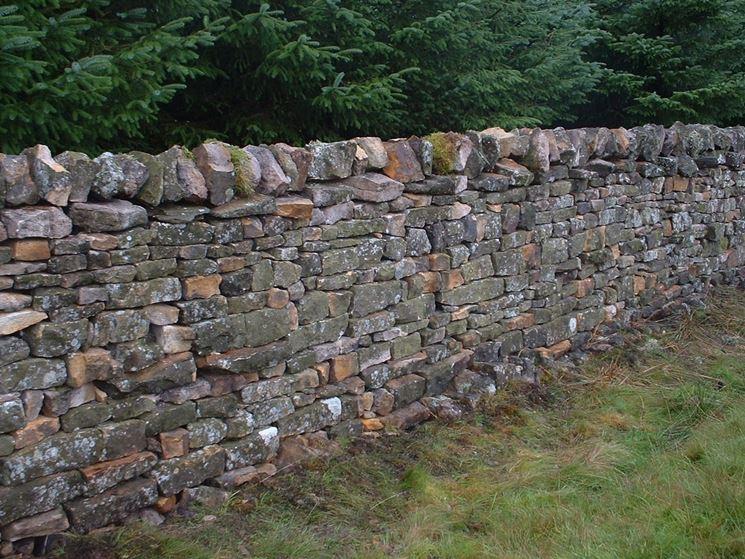Come Costruire Un Muro Di Pietra.Muri In Pietra Muratura Realizzare Muri In Pietra