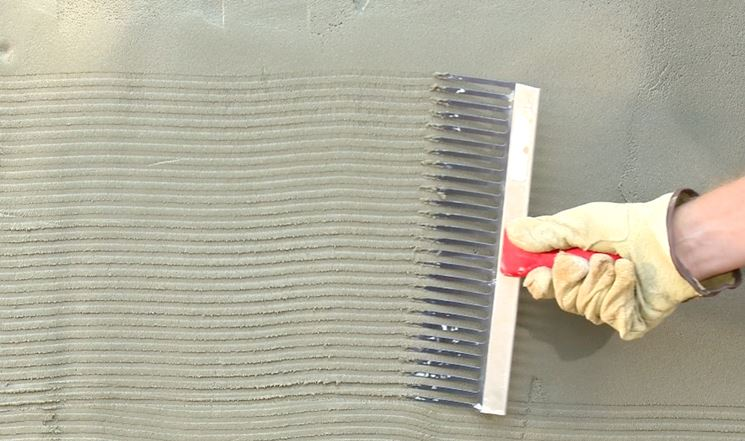Rasare le pareti con lo stucco