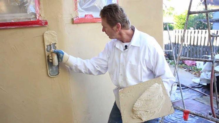Stucco per la rasatura dei muri